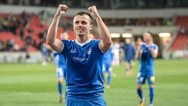 Liberecký záložník Miloš Bosančič oslavuje vítězství nad Slavií.