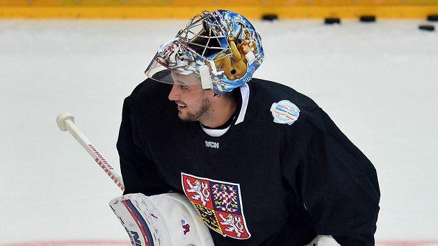 Brankář Petr Mrázek na tréninku české hokejové reprezentace.