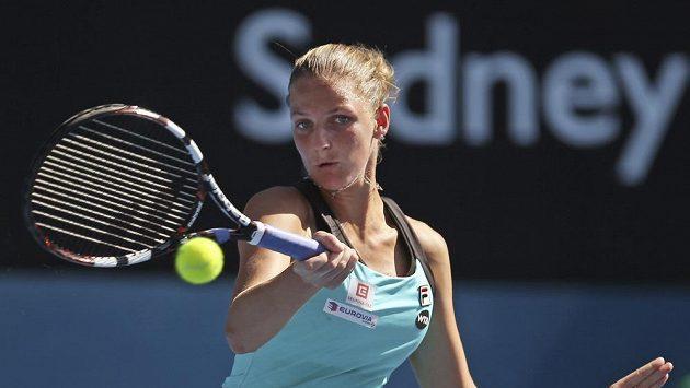 Česká tenistka Karolína Plíšková během utkání se Simonou Halepovou v Sydney.