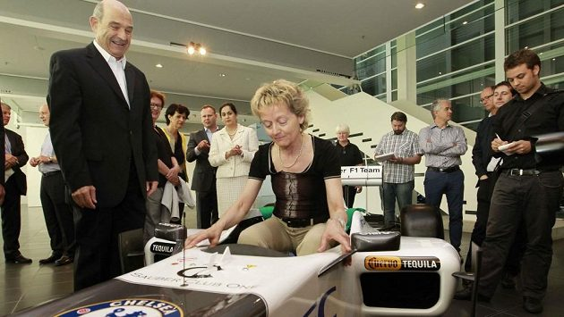 Peter Sauber se švýcarskou ministryní financí Eveline Schlumpfovou.