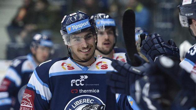 Dominik Lakatoš z Liberce se raduje z druhého gólu.