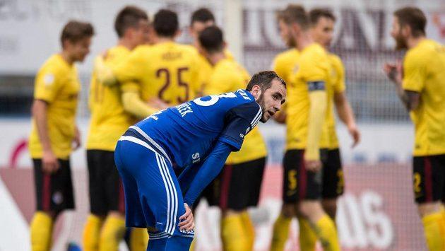 Tomáš Zahradníček z Olomouce po obdrženém gólu se Spartou.