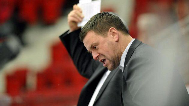 Trenér karlovarských hokejistů Karel Mlejnek bude dál mít k dispozici Petra Šidlíka.