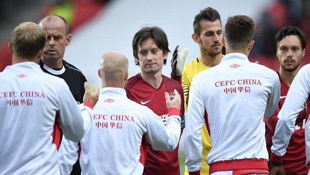 Sparťan Tomáš Rosický (uprostřed) před podzimním derby se Slavií.