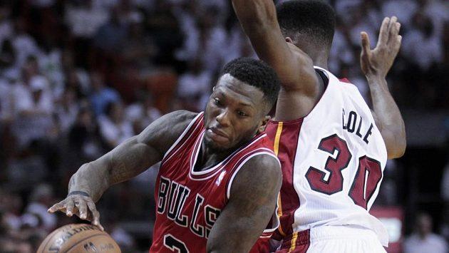 Na vítězství Bulls se výrazně podílel Nate Robinson (vlevo).