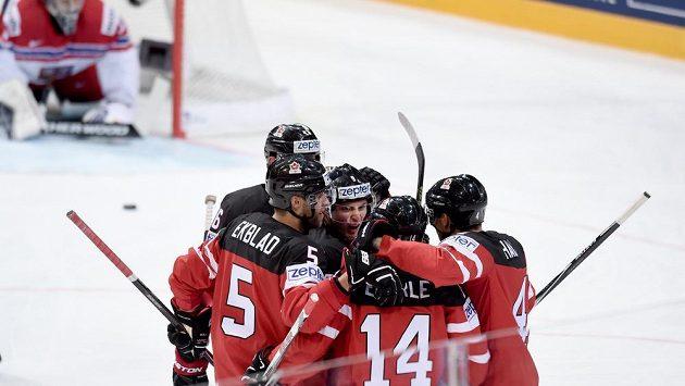 Kanadští hokejisté na ilustračním snímku.
