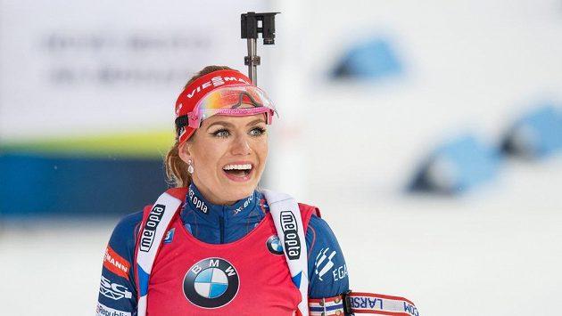 Gabriela Koukalová v cíli závodu s hromadným startem v Novém Městě na Moravě.