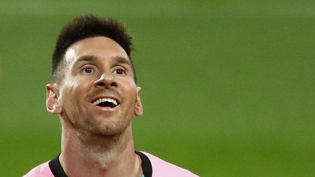 Lionel Messi se může smát. Dosáhl rekordní mety 644 gólů a na základě toho teď Budweiser obdarovává gólmany, které pokořil.