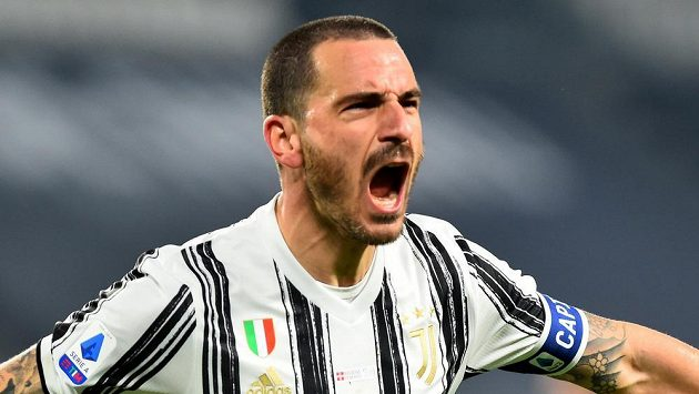 Leonardo Bonucci z Juventusu rozhodl turínské derby.