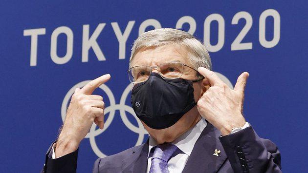 Japonský císař Naruhito se zúčastní pátečního oficiálního zahájení OH v Tokiu. Uvedla to agentura Kjódó s odvoláním na informace z paláce. Už ve čtvrtek se jednašedesátiletý panovník setká s předsedou Mezinárodního olympijského výboru Thomasem Bachem. (na snímku)