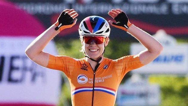 Van der Breggenová vyhrála na MS po časovce i silniční závod