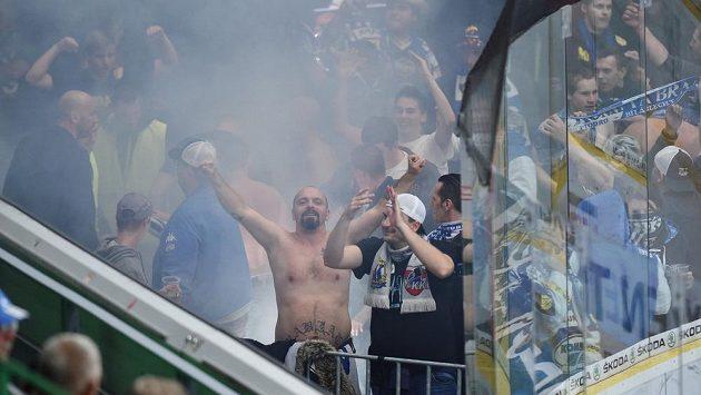 Fanoušci Komety během zápasu v Mladé Boleslavi.