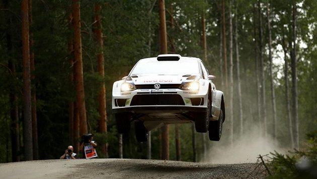 Finský pilot Jari-Matti Latvala zvítězil ve Finské rallye.