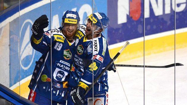 Střelec Libor Pivko (vlevo) se vrátil do Pardubic.