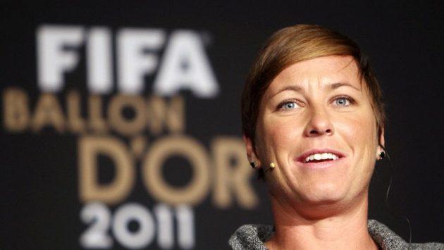 Abby Wambachová při přebírání ceny za nejlepší fotbalistku planety.