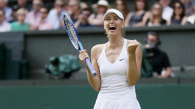 Maria Šarapovová při letošním Wimbledonu.