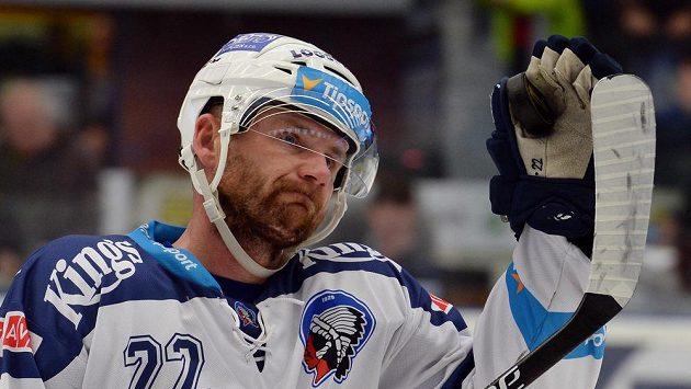 Ondřej Kratěna (na snímku v plzeňském dresu) se rozhodl ukončit svoji dlouhou extraligovou kariéru.