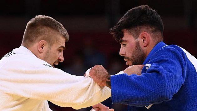 David Klammert (vlevo) v souboji s Li Kochmanem z Izraele.