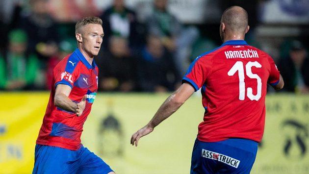 Roman Procházka ještě v dresu Viktorie Plzeň oslavuje gól na 2:2 během utkání s Bohemians, vpravo Michael Krmenčík.