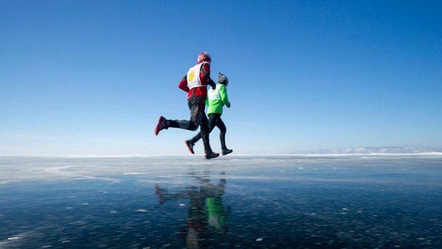 Sibiřský běh má určité kouzlo. Pokud tedy máte rádi mráz, led a vítr.