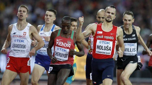 Skvěle finišující Jakub Holuša v semifinále na 1500 m.