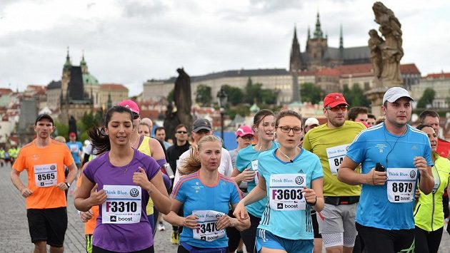Milióny lidí běhají a tisíce jich budou 28.3. na půlmaratónu v Praze.
