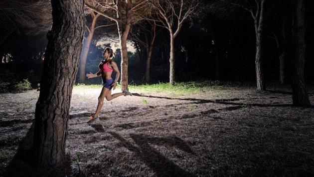 Běhání v noci má své kouzlo.