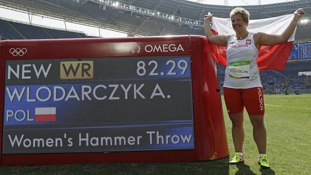Polka Anita Wlodarczyková ozdobila olympijské finále kladivářek světovým rekordem.