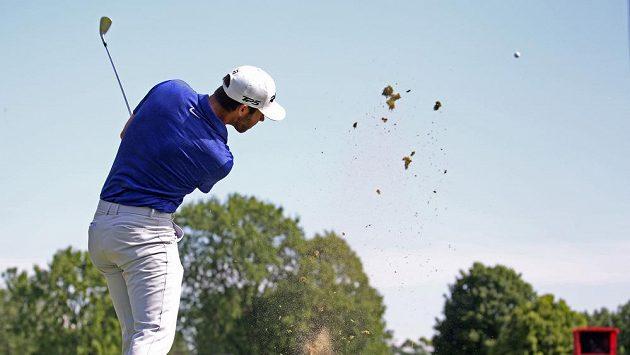 Americký golfista Matthew Wolff během třetího kola turnaje Rocket Mortgage Classic v Detroitu.