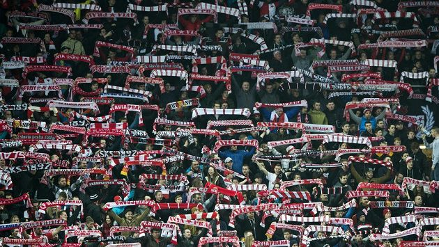 Šlágr nejvyšší fotbalové soutěže mezi Slavií a Plzní je vyprodaný. Oba týmy požene do boje rekordní kulisa.
