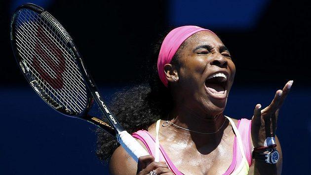 Favorizovaná Američanka Serena Williamsová postoupila bez problémů do třetího kola Australian Open.
