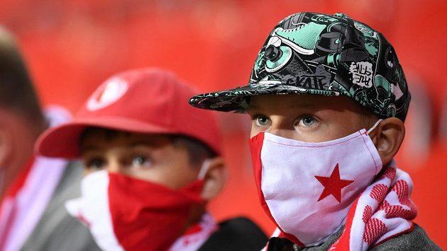 Fanoušci fotbalové Slavie během utkání s Teplicemi. Ilustrační foto.