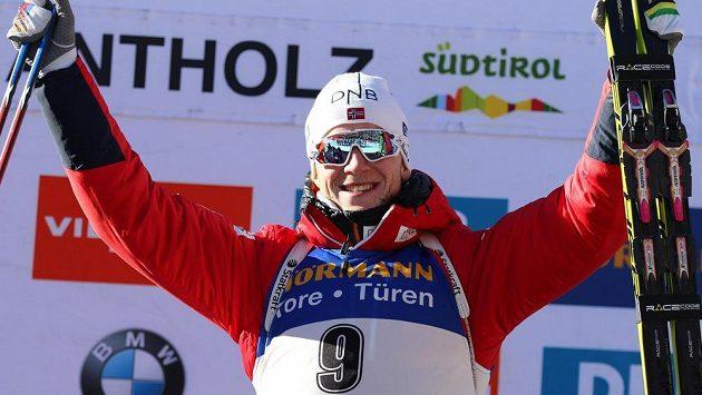 Nor Johannes Thingnes Boe si vychutnává triumf.