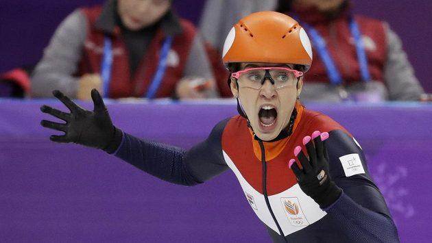 Nizozemka Suzanne Schultingová se raduje ze zlata