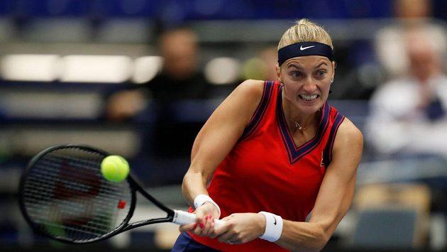 Česká tenistka Petra Kvitová během semifinále Ostrava Open 2021.
