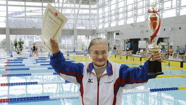 Plavecký nestor Mieko Nagaoková.