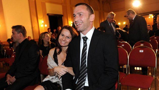 Jaromír Blažek s manželkou Lenkou během vyhlášení ankety Zlatý míč 2013.
