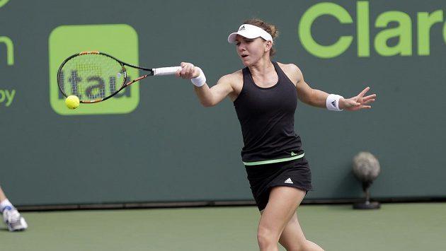 Simona Halepová z Rumunska na ilustračním snímku ze zápasu proti Nicole Vaidišové.