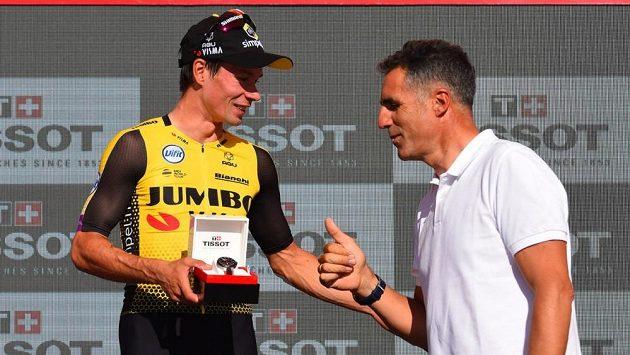 Jeden z nejlepších silničních cyklistů historie Miguel Indurain ozdobí svou účastí etapový závod horských kol Garmin Titan Desert. Na snímku se slovinským závodníkem Rogličem během slavné Vuelty.