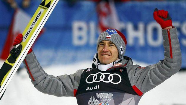 Polský skokan na lyžích Kamil Stoch vyhrál 65. ročník Turné čtyř můstků.