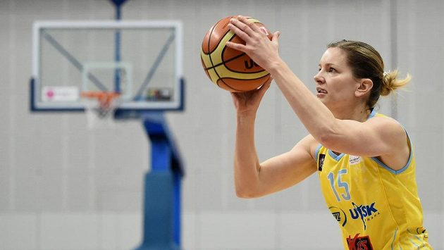 Basketbalista USK Praha Eva Vítečková ukončila kariéru, čeká potomka.