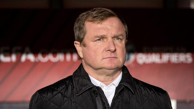 Pavel Vrba má starosti s další absencí Tomáše Rosického i tím, jak se po přestupech chytnou další reprezentanti.