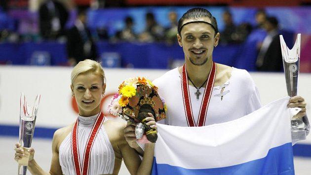 Ruští krasobruslaři Taťjana Volosožarová a Maxim Traňkov.
