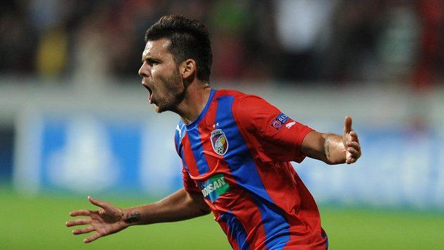 Plzeňský záložník Michal Ďuriš se raduje z gólu, který vstřelil do sítě Mariboru.