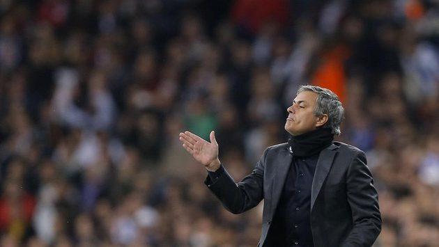 Kouč Realu José Mourinho mohl být na Old Trafford spokojený, přesto měl k svému týmu výhrady.