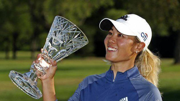 Americká golfistka Danielle Kangová vyhrála druhý turnaj LPGA Tour za sebou. Po triumfu v Toledu se radovala i v Sylvanii,