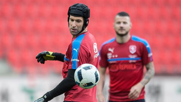 Petr Čech během tréninku národního týmu.
