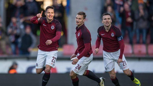 Daniel Holzer slaví gól proti Karviné.
