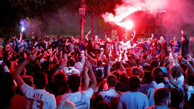 Fanoušci PSG se střetli s policií