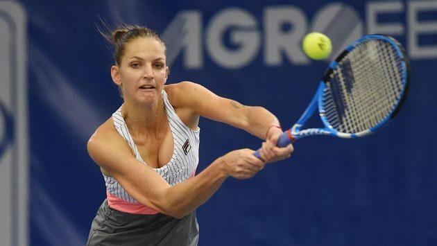 Karolína Plíšková (na snímku) z Prostějova při extraligovém utkání s Karolínou Muchovou z Přerova.